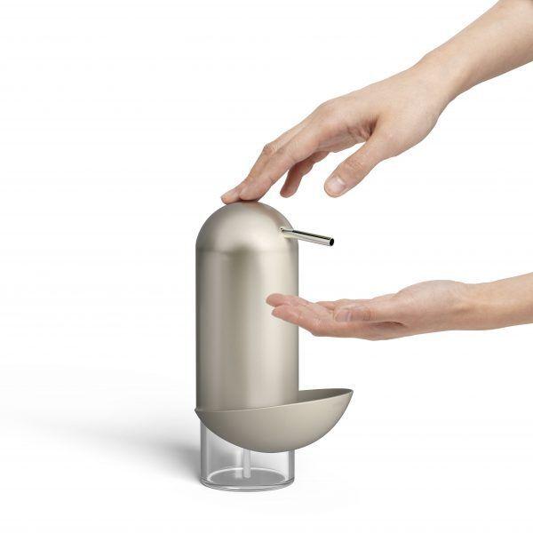 1008156 410 penguin caddy soap pump nickel 02 Марка: Umbra HK Limited <br />Модел: UMBRA 1008156-410<br />Доставка: 2-4 работни дни<br />Гаранция: 2 години