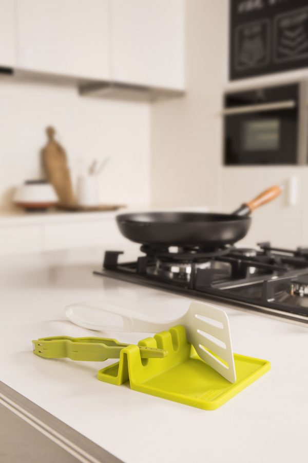 46703606 utensilrest green Марка: TOMORROW`S KITCHEN <br />Модел: TK 46706606<br />Доставка: 2-4 работни дни<br />Гаранция: 2 години