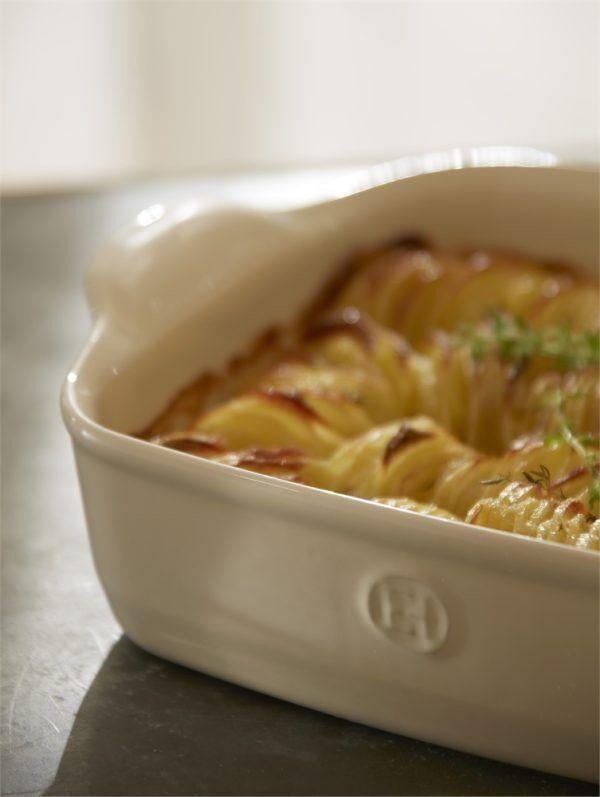 eh 2050 amb gratinpdt potatogratin logo v 4 Марка: Emile Henry <br />Модел: EH 2050-95<br />Доставка: 2-4 работни дни<br />Гаранция: 2 години
