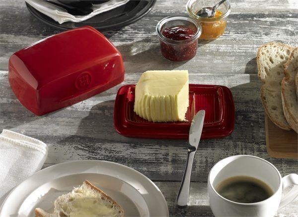 eh 0225 amb beurrier butterdish breakfasttable2 h 3 Марка: Emile Henry <br />Модел: EH 0225-95<br />Доставка: 2-4 работни дни<br />Гаранция: 2 години